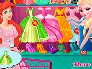 Эльза в модном магазине